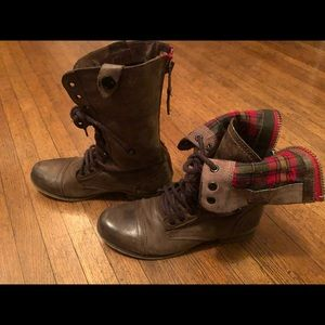 Steve Madden Flannel Brown Leat Boots